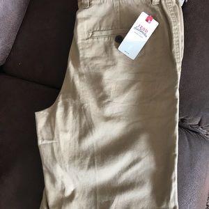 Men's Izod shorts size 34 khaki color